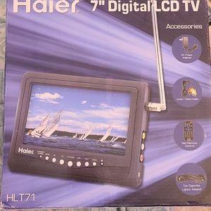 "7"" Digital LCD TV"